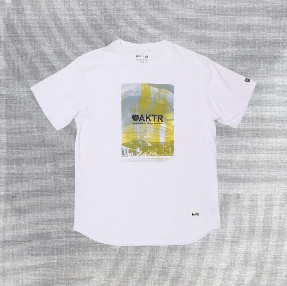 BLUR PHOTO TEE WHITEのイメージ